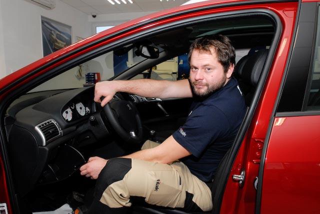 V čem odjel VyVolený Milan? Peugeot 407 SW Premium 2.2 HDi FAP