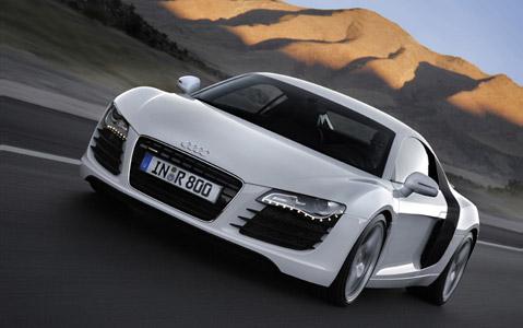 Leoš Mareš si splnil sen: Jezdí ve voze Audi R8!