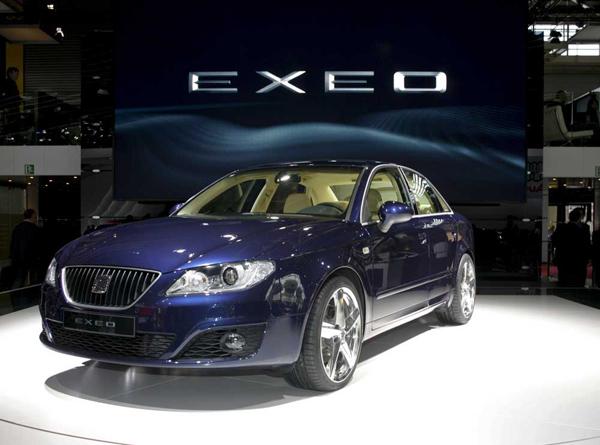 SEAT v Paříži představuje nový sportovní sedan Exeo