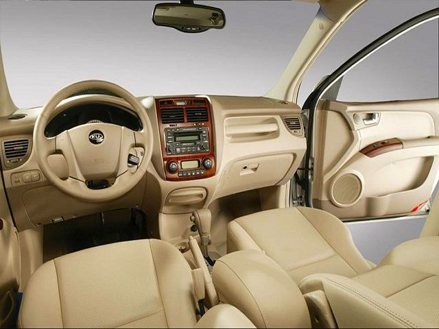 фото Kia Sportage 2.0 4WD.
