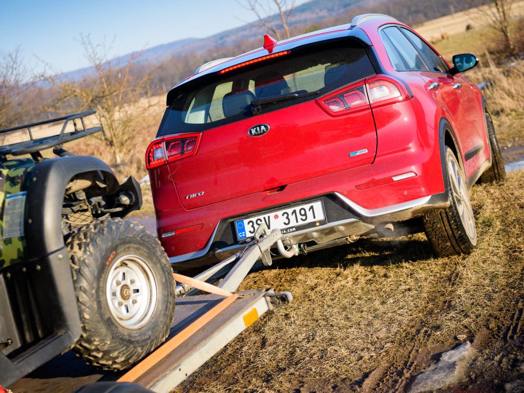 Kia Niro HEV je hybrid na tahání přívěsů