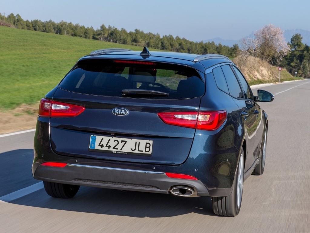 Kia Optima Sportswagon Plug-in Hybrid stojí dost přes milion