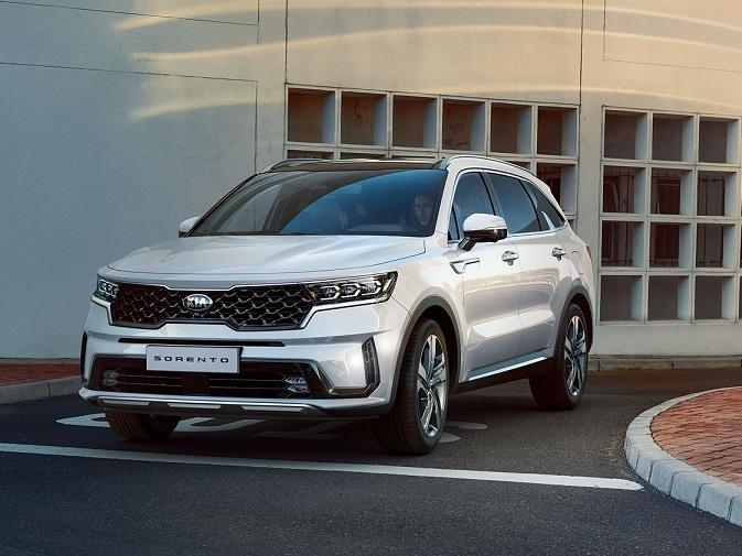 Kia ukazuje první fotografie nového SUV Sorento