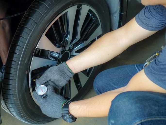 Letní pneumatiky mají svůj význam, nezapomeňte přezout