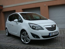 Test: Opel Meriva vs. KIA Venga - hr�tky s prostorem