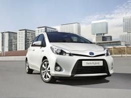 Toyota Yaris Hybrid se p�edstav� v �enev�