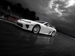 Prvn� Lexus LFA v proveden� N�rburging Package m� sv�ho majitele
