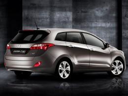 Stovka vozů Hyundai i30 kombi míří k zákazníkům