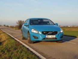 Test: Volvo V60 D4 AWD - krásná rebelka ze severu