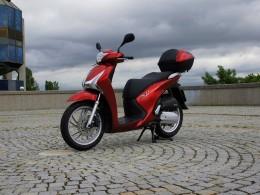 Test: Honda SH125i - časem zdokonalená