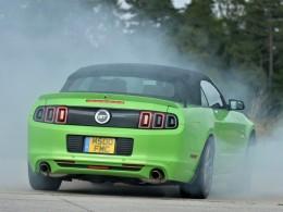 Ford Mustang snem evropan� (+video)
