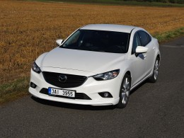 Test: Mazda 6 2.5G - sedan, co má koule