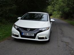 Test: Honda Civic 1.8 i-VTEC - bezpečnější a levnější