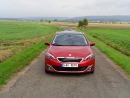 Test: Peugeot 308 SW - jak jezdí s tříválcem Puretech?