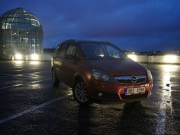 Recenze ojetiny: Opel Zafira II.- rodinný ideál?