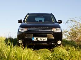 Test: Mitsubishi Outlander PHEV - 52 kilometrů s nulovou spotřebou benzínu