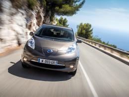 Nissan LEAF 2016 zdolá na jedno nabití 250 km