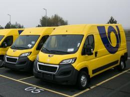 Česká pošta nakoupila stovky užitkových Peugeotů
