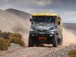 Rallye Dakar VII. - Kolomý havaroval, Macík a Valtr jdou nahoru