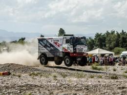 Češi na Dakaru - Jaroslav Valtr měl pomalý start, pak letěl