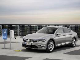 Volkswagen Passat GTE můžete objednávat, připravte si přes milion