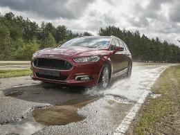 Ford záměrně ničí auta na šílených silnicích v Lommelu