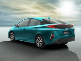 Nový Prius Plug-in Hybrid jezdí jen za 1,4 l/100 km