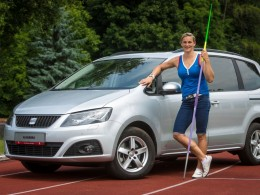 Barbora Špotáková jezdí za úspěchy v Seatu Alhambra