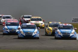 Chevrolety vládnou seriálu WTCC