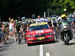 Christopher Froome vyhrál Tour de France - vítězné trofeje věnovala Škoda