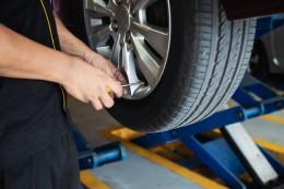 Co znamenají nápisy na pneumatice? Vyčíst můžete netušené věci