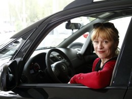 Dana Batulkov� jezd� ve Suzuki Swift