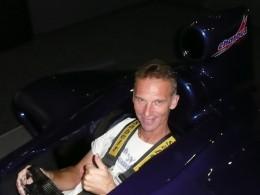 Dominik Hašek míří do kokpitu Lamborghini