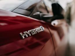 Hybridní automobily jsou spolehlivější než elektromobily