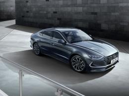 Hyundai Sonata je krásné čtyřdvéřové kupé