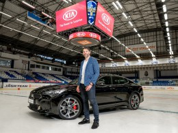 Jaromír Jágr má dvě nová auta. Vrcholnou Kiu Stigner a elektrický model e-Niro