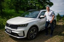 Jaromír Jágr má nové auto, je to plug-in hybridní SUV