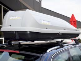 Na kluzkých silnicích je důležité i správné upevnění nákladu ve voze