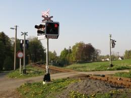 Neriskujte na železničních přejezdech, v létě hrozí únava či oslepení sluncem