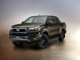 Nová Toyota Hilux je ještě schopnější, v prodeji bude koncem roku