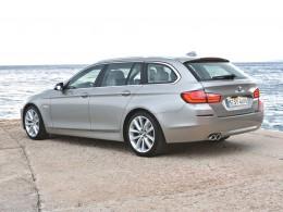 Nov� BMW 5 Touring: Dal�� krasavec se �pi�kovou technikou