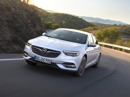 Opel Insignia Grand Sport - co bude pod kapotou? podívejte se na kompletní přehled motorů