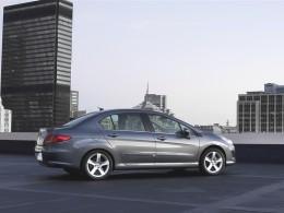 Peugeot 408 není to, co si myslíme že je...