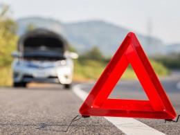 Řídíte bez bot, v žabkách nebo snad v lodičkách? Riskujete nehodu
