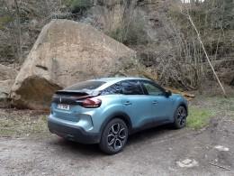 Test: Citroën ë-C4 - odvážný elektromobil za rozumné peníze