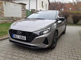 Test: Hyundai i20 1.0 T-GDI MHEV DCT - dospělé malé auto
