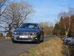 Test: Lexus CT 200h. Hoďte se do klidu!
