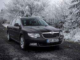 """Test ojetiny: Škoda Superb Combi 1.6 TDI GreenLine – """"Jezevčík"""" obecný."""