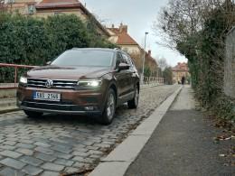 Test: Volkswagen Tiguan Allspace - dává smysl s benzínem?