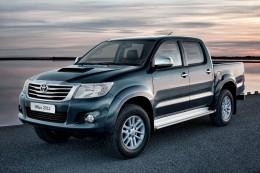 Toyota Hilux: Pick-up s pohodl�m osob�ku